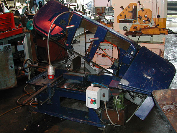 Startrite Meba SM250 Horizontal Bandsaw with quick release vice and coolant pump.